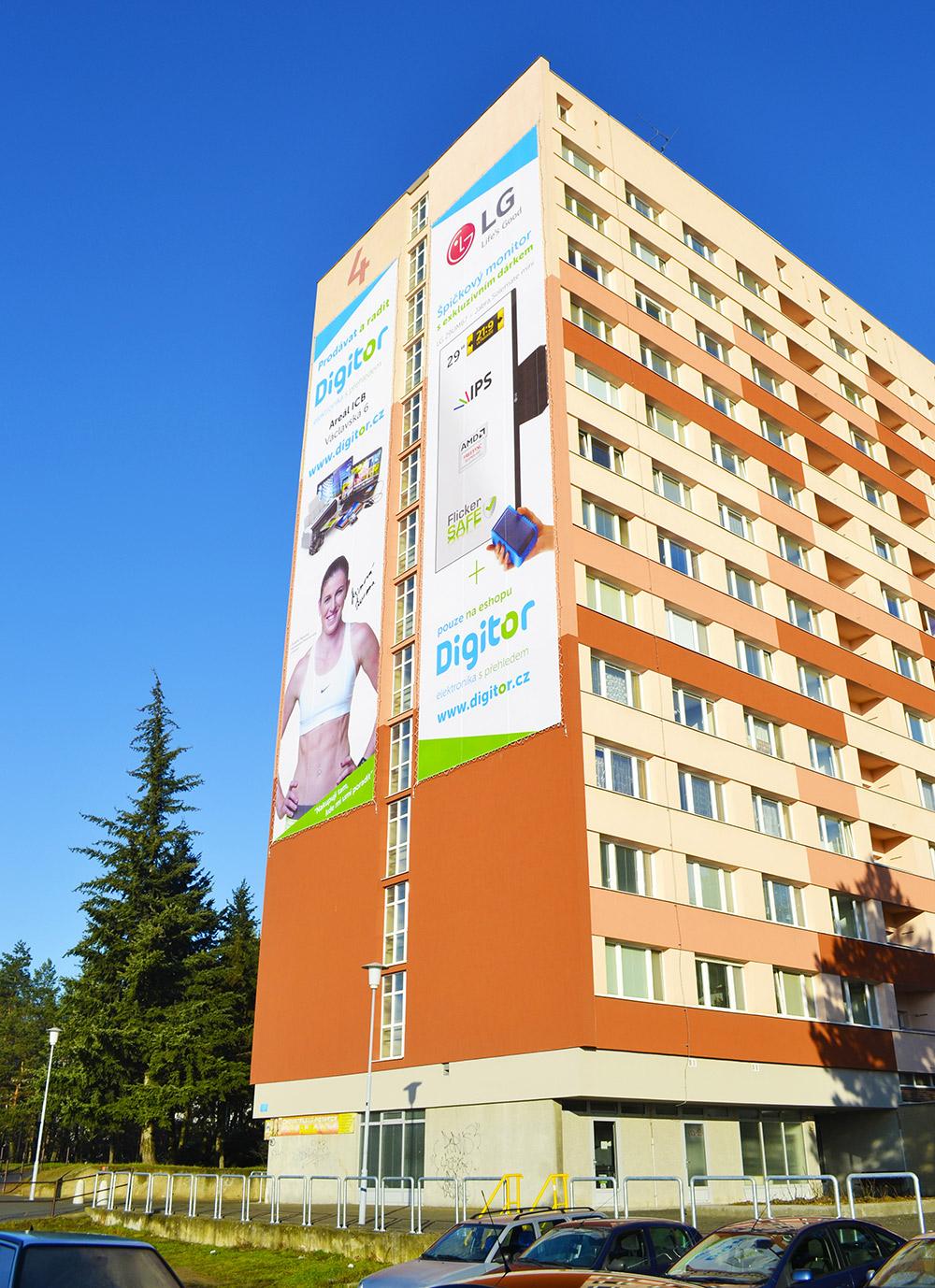 venkovni-reklama-brno-halasovo-namesti-036zb