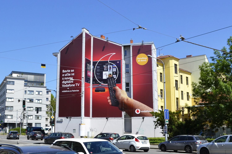 OOH---Venkovní-reklamní-plocha-Werek-Media-026ZB-Mendlovo-náměstí-Brno---klient-Vodafone---kampaň-Digirální-TV-2020_05