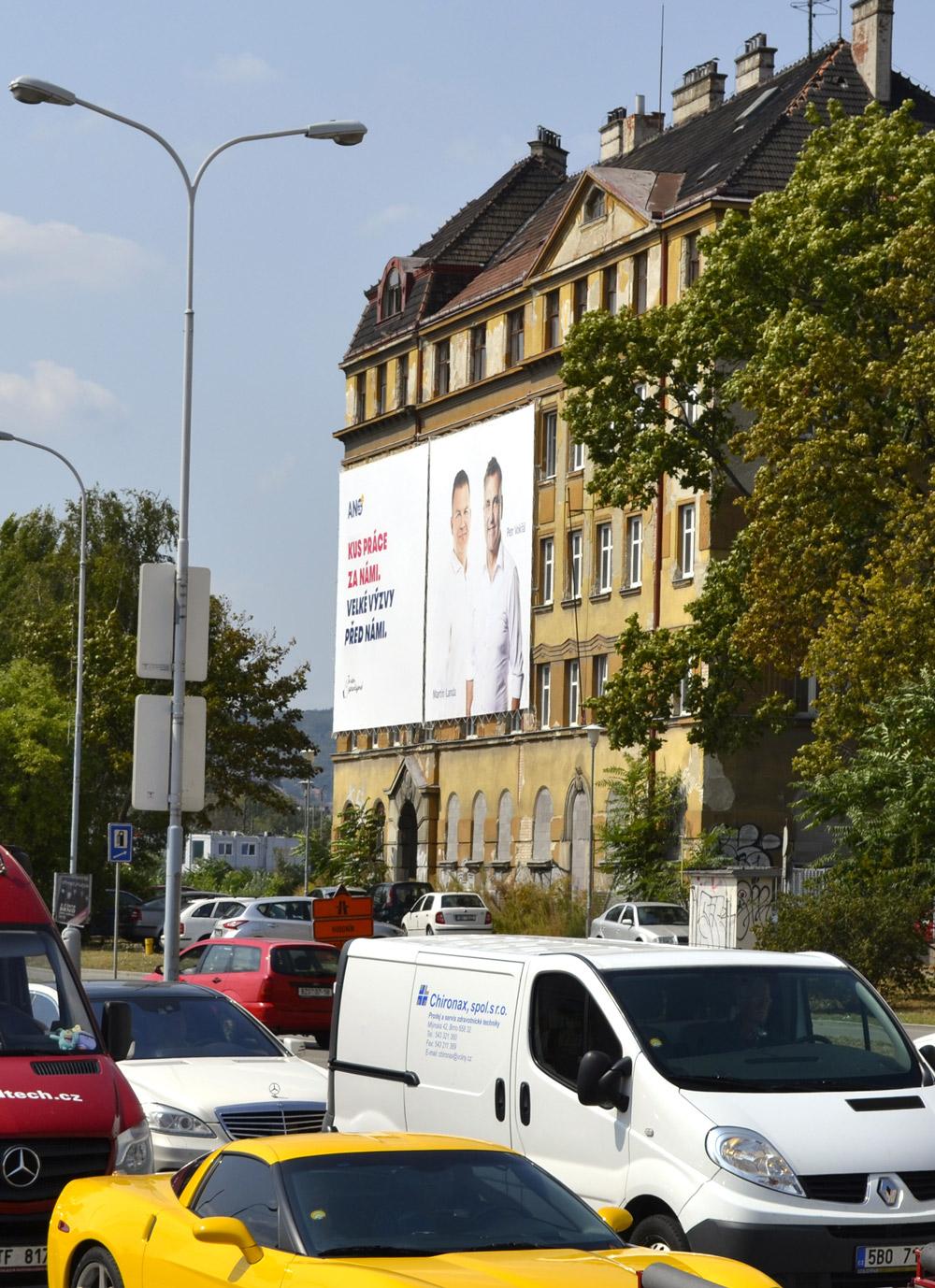 OOH---Venkovní-reklamní-plocha-Werek-Media-041-Opuštěná-Brno---klient-ANO2011---kampaň-Volby-2018-den01-pro-web